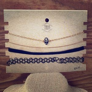 TRUE CRAFT 4 Piece Choker Necklace Set